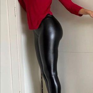 Pants & Jumpsuits - Liquid leather-like leggings!